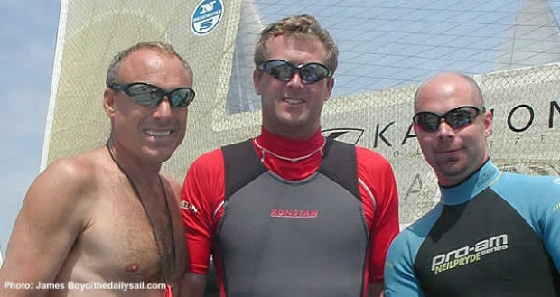 Howie Hamlin (left) with Mike Martin and crew Jonny Meers at Weymouth 2003