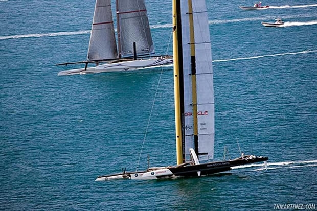 BMW Oracle Racing overhaul Alinghi 5 on the beat
