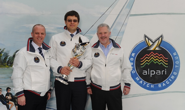 David Stuart and Andrey Vedikhin, CEO and COO of Alpari with Jim O'Toole CEO of the WMRT