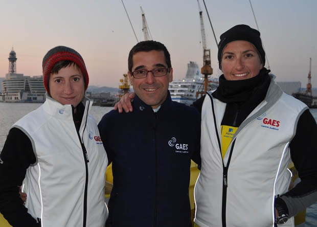 Right to left: Dee Caffari with GAES' Antonia Gasso and Anna Corbella