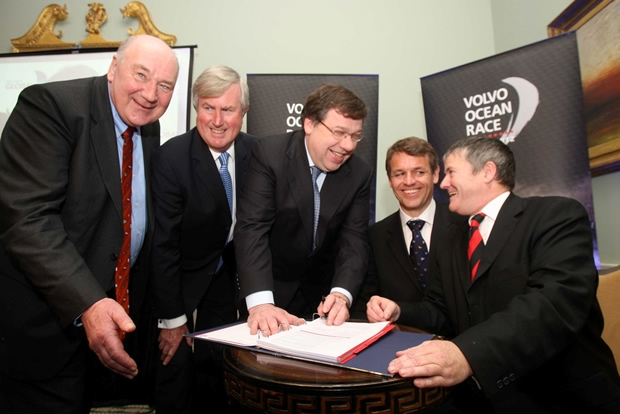 John Killeen, President, Lets Do It Global, Redmond O'Donoghue, Chairperson, Failte Ireland, An Taoiseach, Brian Cowen, T.D., Knut Frostad, CEO, Volvo Ocean Race, and Enda O'Coineen, Chairman, Lets Do It Global.