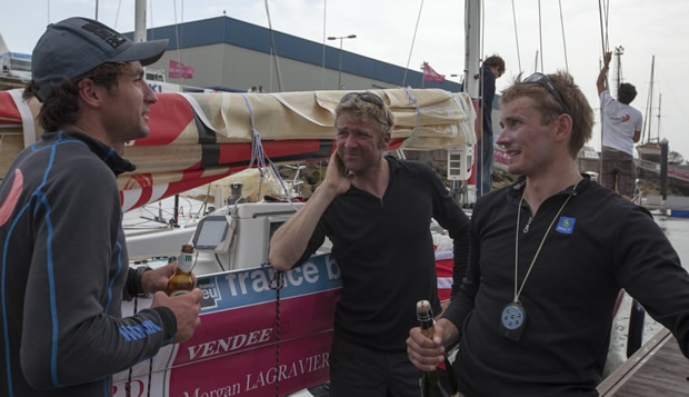 Solitaire du Figaro leaders: Morgan Lagravière (left), with leader Yann Elies and Fabien Delahaye (right)